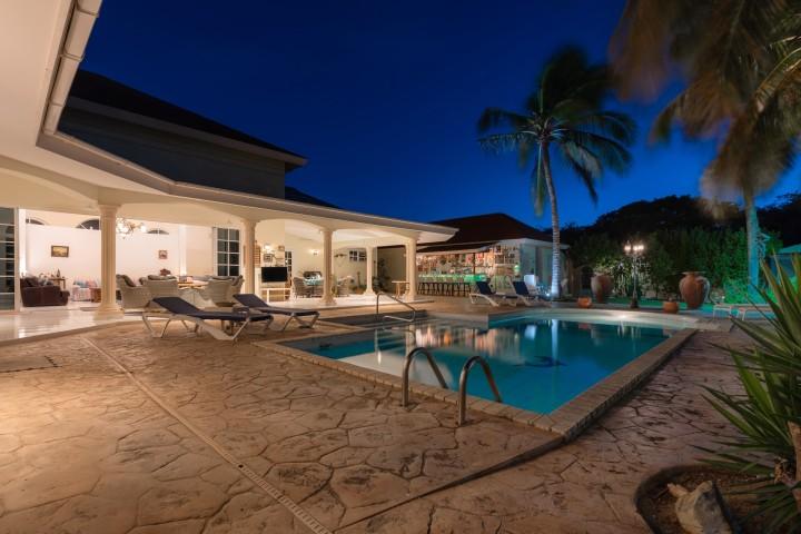 Oranjestad Luxury Villa photo 2