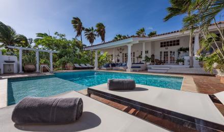 Nuñe Mediterranean Villa